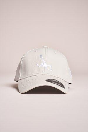"""כובע """"Shark Attack"""" באפור-לבן"""