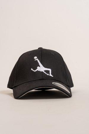 """כובע """"Shark Attack"""" בשחור-לבן Oversized"""