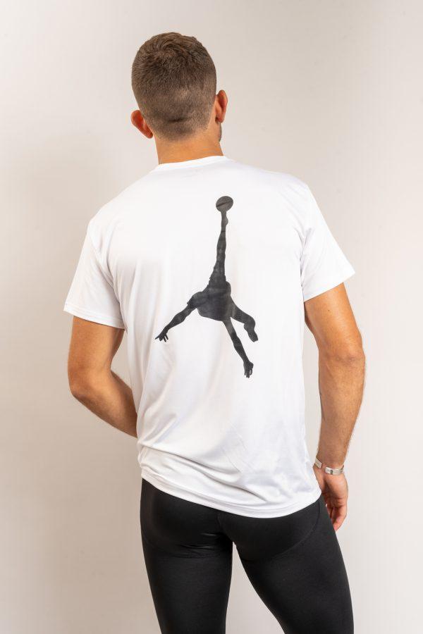 """חולצת אימון """"Shark Attack"""" בלבן"""